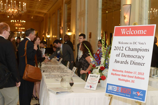 Guests attend the 2012 Champions of Democracy Awards Dinner. (Photo by Ben Droz)