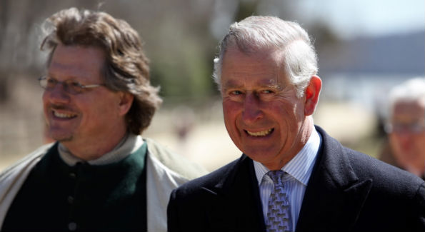 Director of Trades at Mount Vernon Steve Bashore with Prince Charles (Photo by John Arundel)