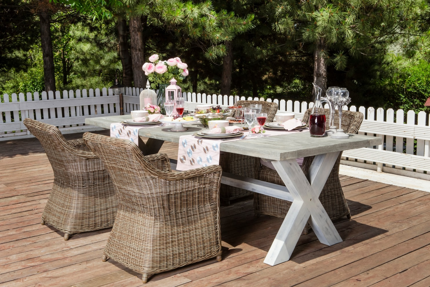 Patio Furniture Table And Chairs Buying Outdoor Furniture A Guide To Fabrics And Materials That