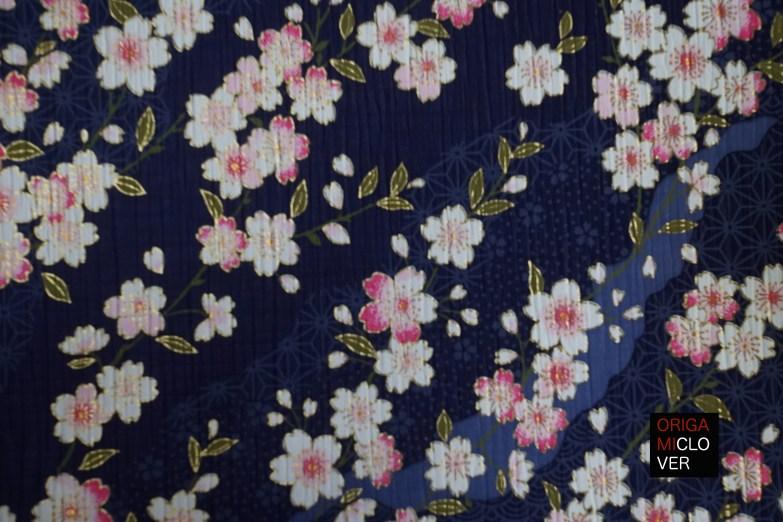 chirimen azul con flores de cerezo