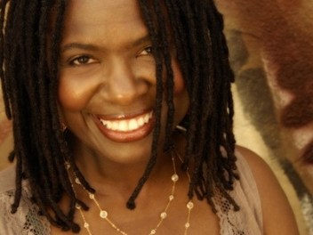 Ruthie Foster – The Phenomenal Ruthie Foster