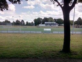 Monte: Vereinsheim am Fußball