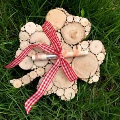 Kleeblatt aus Treibholzscheiben für Geldgeschenk