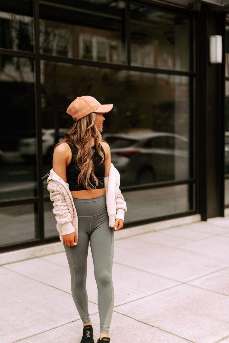 37 Attractive Casual Spring Outfits Ideas for Women