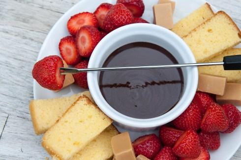 CREAM: Chocolate fondue