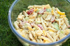 MANGO: Curried chicken pasta salad