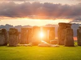 stonehenge at solstice