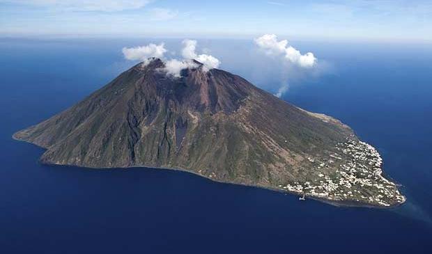mount stromboli volcano