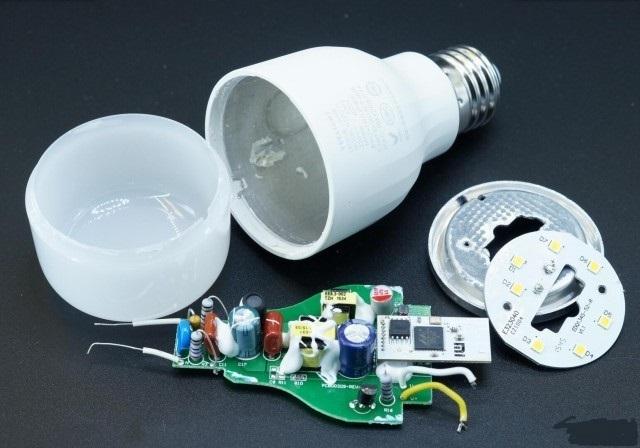 yeelight-LED-Smart-bulb-part