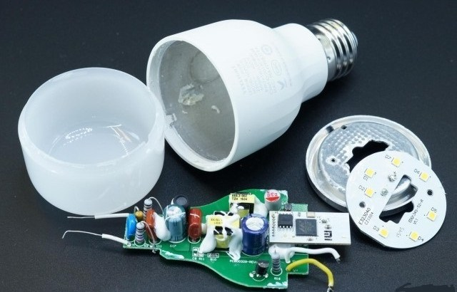 LED-Smart-bulb-part-teardown