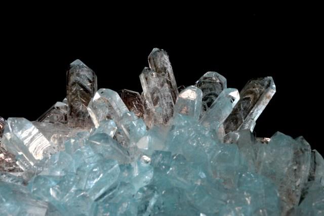 ビフォスファマイト(リン酸二水素アンモニウム)の人工結晶