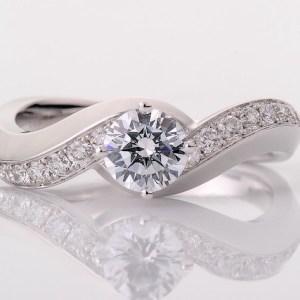 世界で最も硬いダイヤモンド。何を使って研磨しているの?
