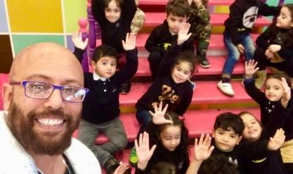 تشجعهم على حب مصر بلبل معلم يقدم أغاني أطفال على أنغام