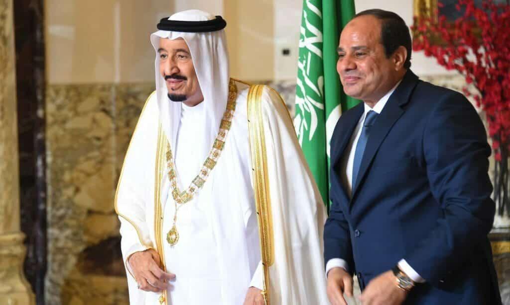 السعودية باعت الثورة المصرية مرتين: حين دعمت صعود السيسي وحين منعت سقوطه