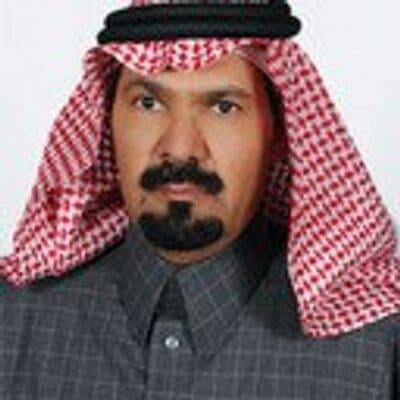"""أكاديمي سعودي: """"العسكر أعداء التنمية.. ولكم في الجزائر ومصر وليبيا مثالا"""""""