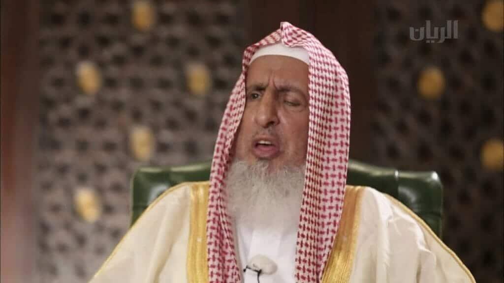 مفتي السعودية: الأعداء ازدادوا غيظاً وحيرة وحقداً ولهذا السبب حاولوا اغتيال الملك سلمان