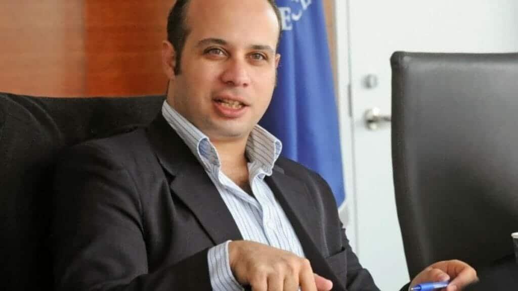 الناشط السياسي أحمد ماهر