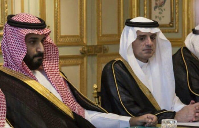 """لأنه من """"آل سعود"""".. """"شاهد"""" السفير السعودي في بريطانيا يهين وزير الخارجية عادل الجبير!"""