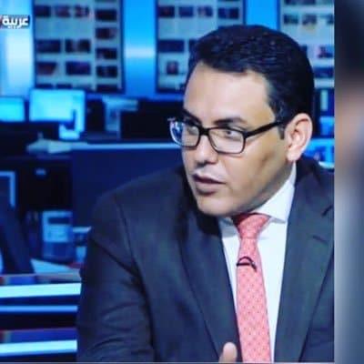 """""""كل مصائب فلسطين من تحت رأسها"""".. """"شاهد"""" صحفي سعودي ارتدى الثوب الاسرائيلي وهذا ما قاله عن حماس!"""