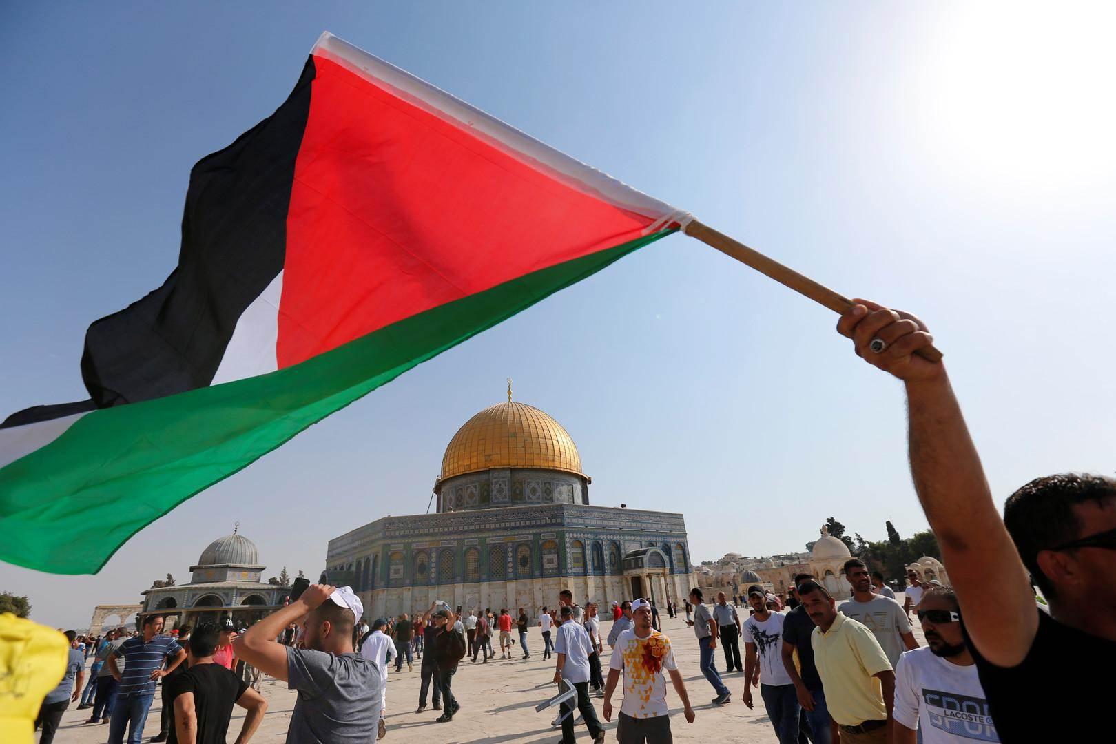 """كاتب عُماني: فلسطين قضية أمة """"ورباط قرابة قرن.. لن ينتهي بصفقة القرن"""""""