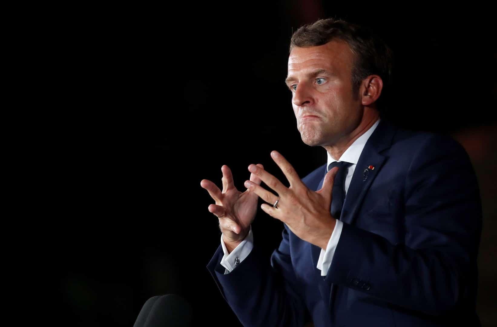"""ماكرون منتقدا تغطية الإعلام لمظاهرات فرنسا: يريدون إظهارنا """"كأننا مصر""""!"""