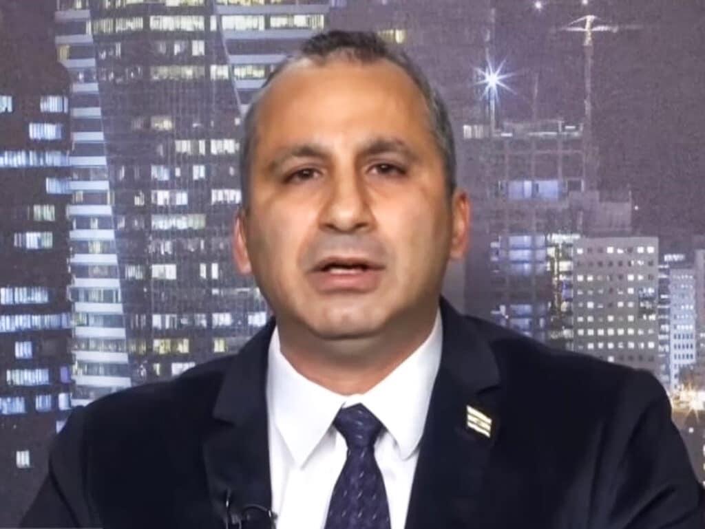 إيدي كوهين يزعم: الأردن طلب من إسرائيل توفير فرص عمل لمواطنيه بمجال النظافة والمطبخ