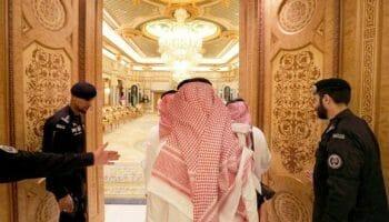 """""""ربورت فيسك"""" يفضح أمراء """"آل سعود"""".. كانوا يذهبون إلى تل أبيب بطائراتهم الخاصة لهذا الأمر!"""