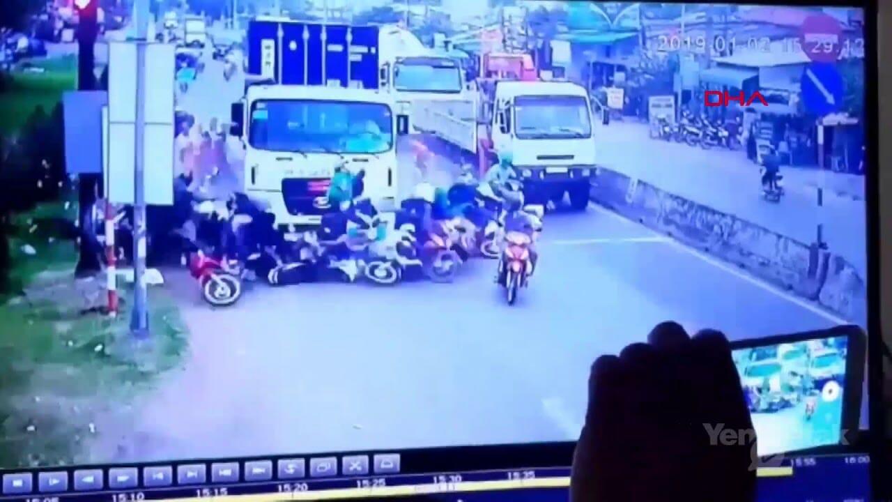 اصطدام شاحن بدراجة نارية