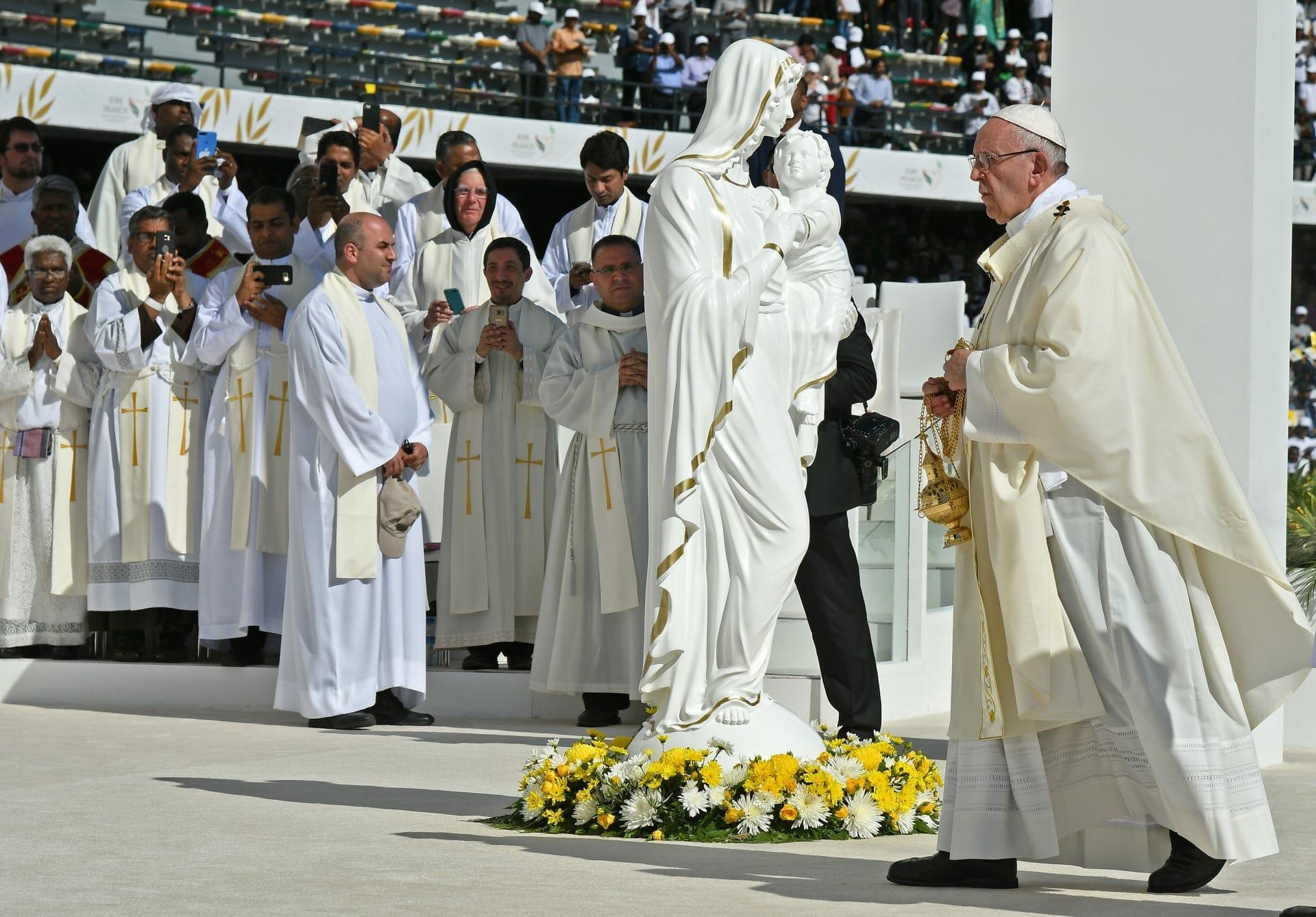 بابا الفاتيكان يترأس أوّل قدّاس في الإمارات