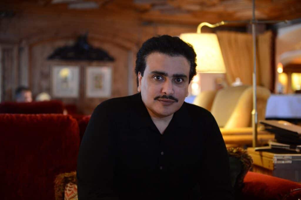 شيخ قطري يفضح الداعية المجنس وسيم يوسف: كان يعمل قوادا في الأردن قبل أن تأتي به مخابرات ابن زايد للإمارات
