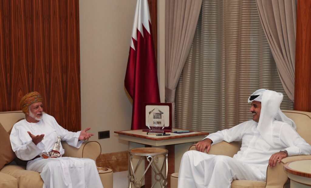 أمير قطر يستقبل وزير خارجية سلطنة عُمان ويصدر توجيها عاجلا هذه تفاصيله
