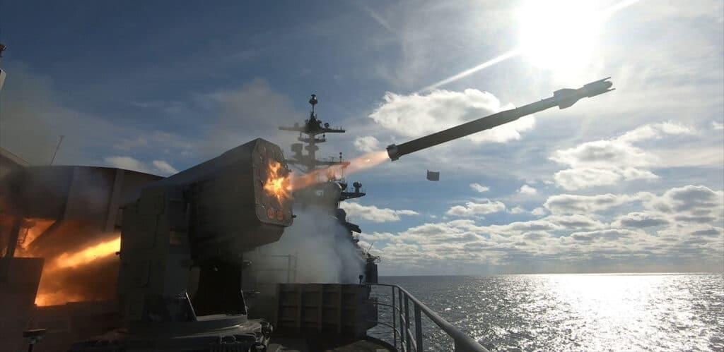 """منعتها عن السعودية والإمارات.. """"شاهد"""" هذه مزايا منظومة الدفاع الصاروخي """"Sea Ram"""" التي باعتها ألمانيا لقطر"""