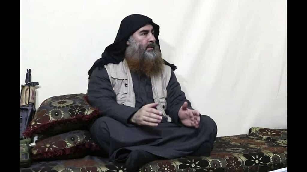 """هل تذكرون الهاشمي القرشي الذي عينه البغدادي خلفاً له.. هو أحد منظّري """"داعش"""" العقائديين وهذا اسمه الحقيقي"""