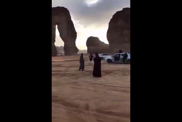 تحرش بمناطق اثرية بالسعودية