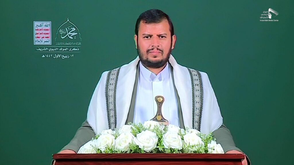 """زعيم الحوثيين يهدد الإمارات ويصف سلوكها بـ """"الجاهلي والشيطاني"""" ويعدها بالمفاجآت قريبا"""