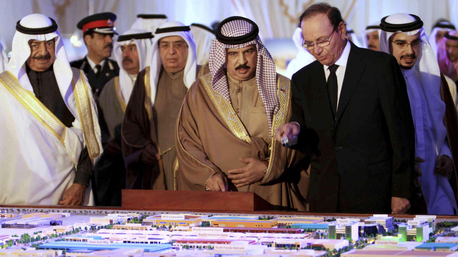 مستشار ملك البحرين مارك شنا