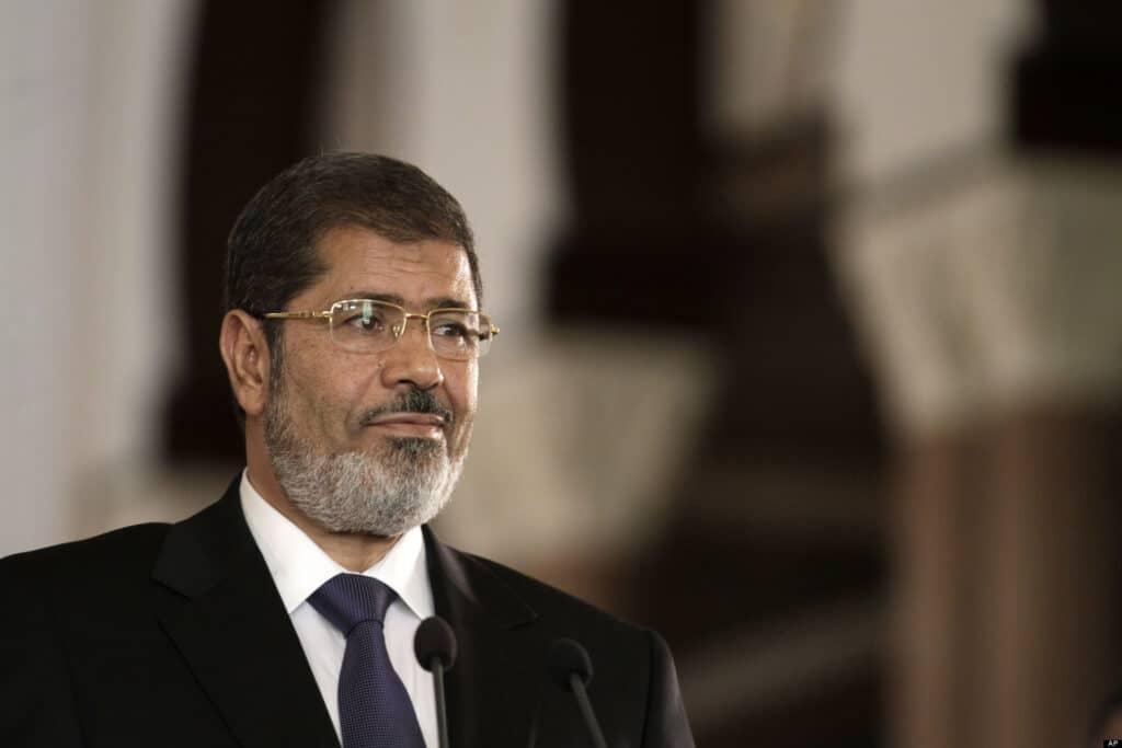 أسرة الرئيس المصري الراحل محمد مرسي تُعزي في وفاة السلطان قابوس وتذكر موقفا مشرفا له معهم