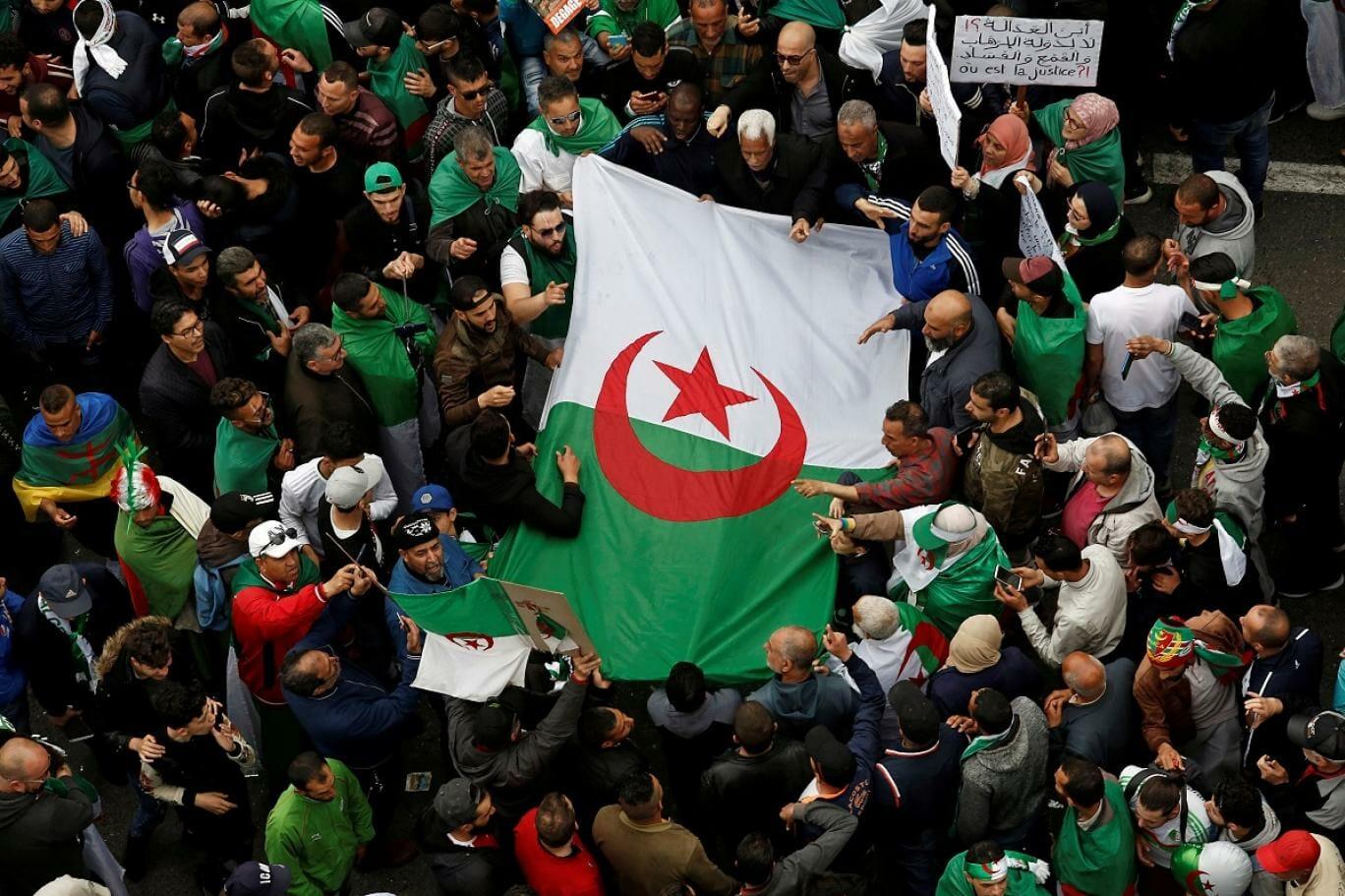 الثورة في الجزائر عبدالرزاق الشريف