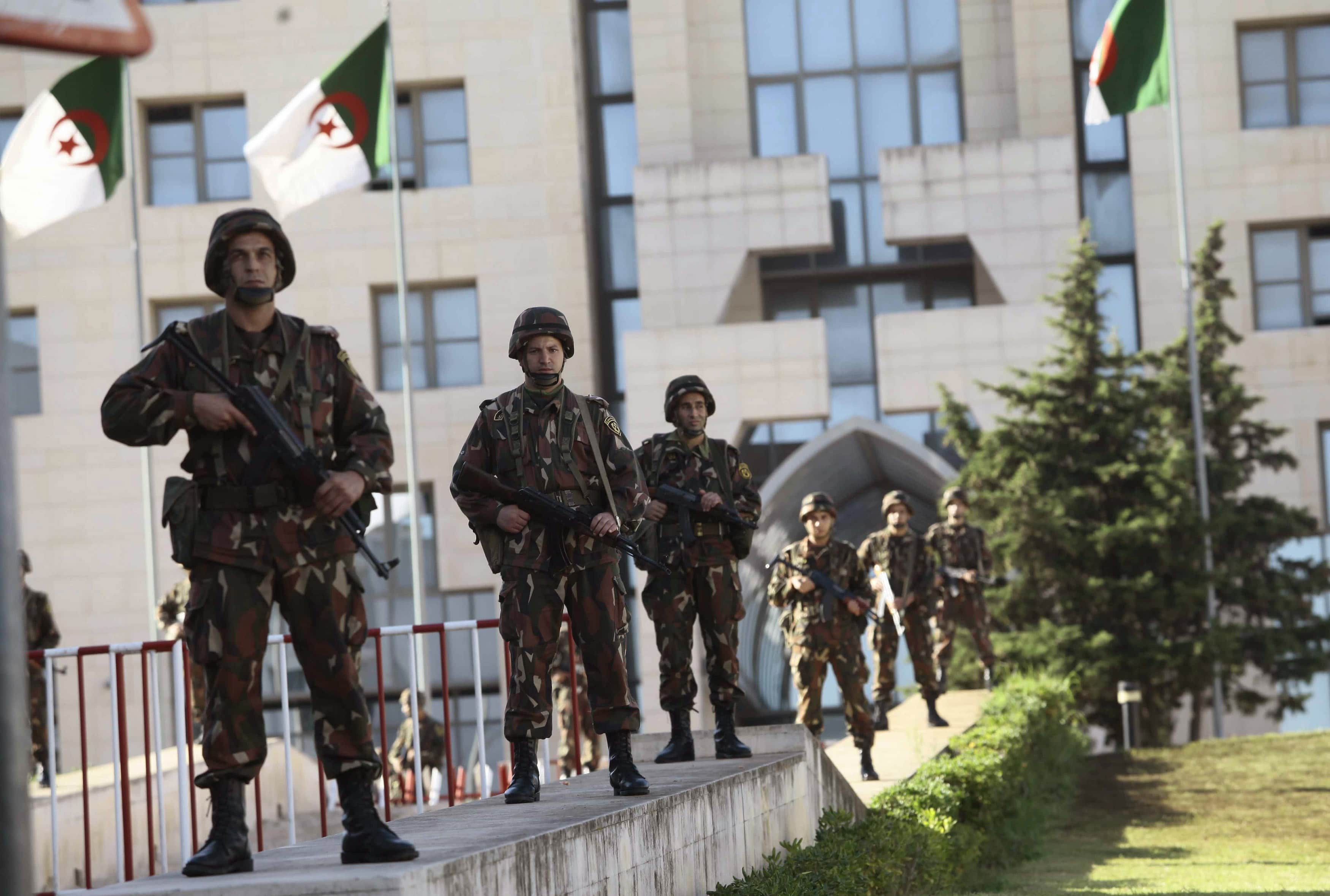 الحزب الحاكم بالجزائر