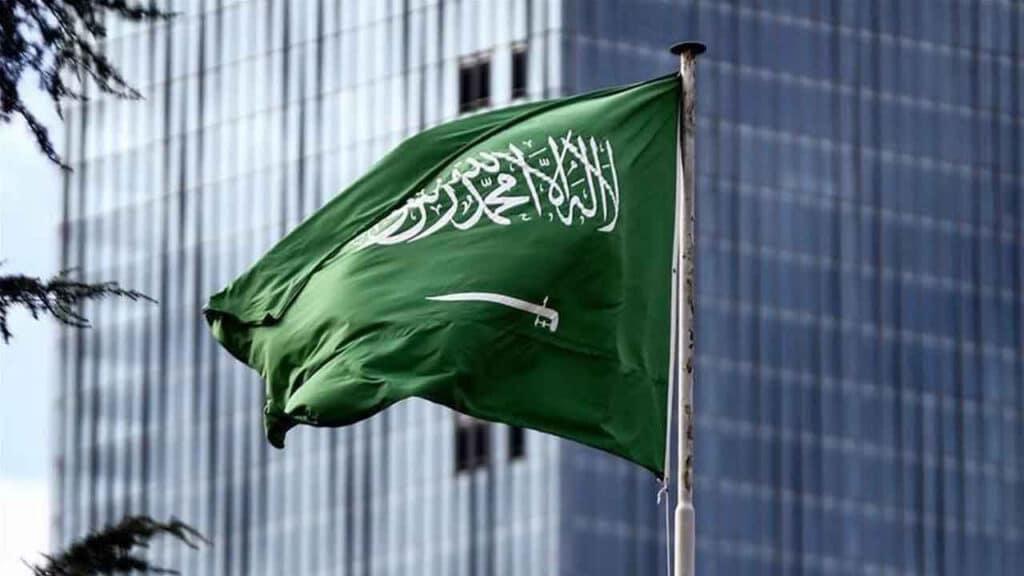 متحرش القصيبي يُشعل غضباً في السعودية.. تحرّش بفتاة ليلاً منتهكاً حرمة رمضان!
