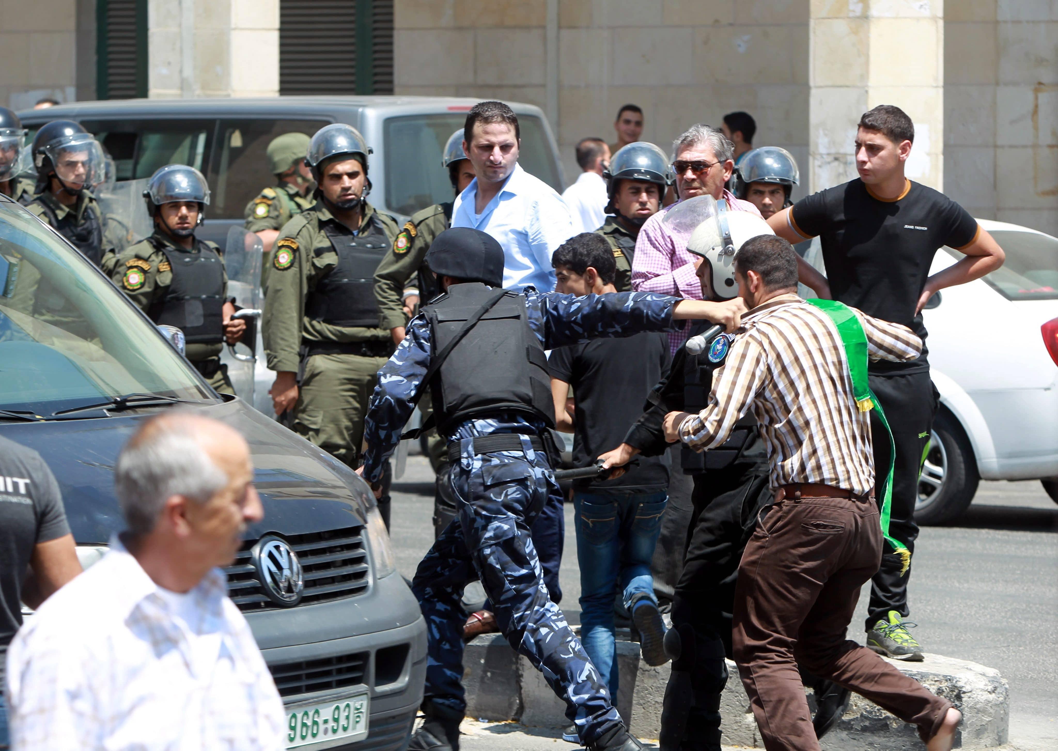 عناصر حماس بالشارع