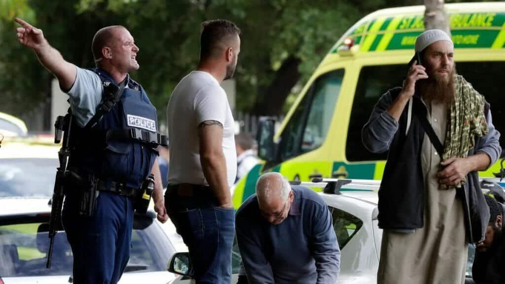 أجريت له عملية مستعجلة.. أردني نجا بمعجزة من مذبحة مسجد النور في نيوزيلندا يطلب الدعاء له ولطفلته المصابة