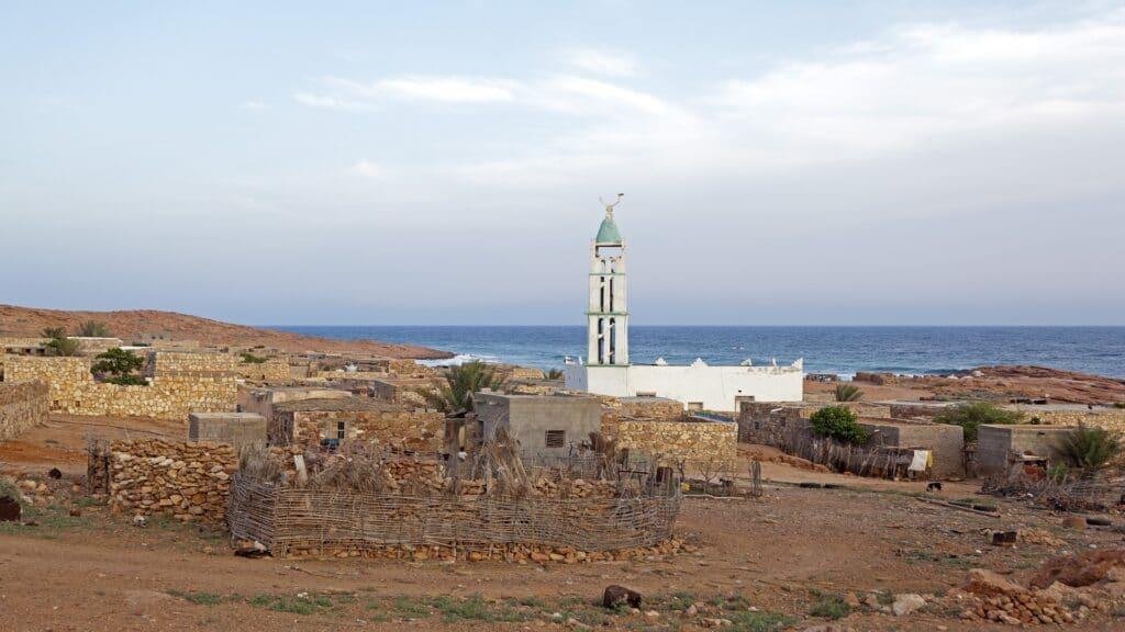 استنفار سعودي غير مسبوق في اليمن بعد وفاة ضابط كبير في ظروف غامضة في سقطرى
