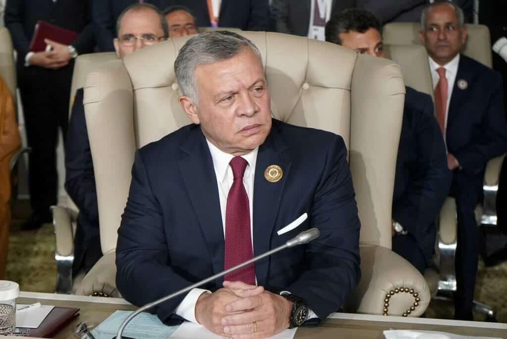 الحوثي يبعث برسالة لملك الأردن بعد إحباط محاولة الانقلاب وينصحه بهذا الأمر