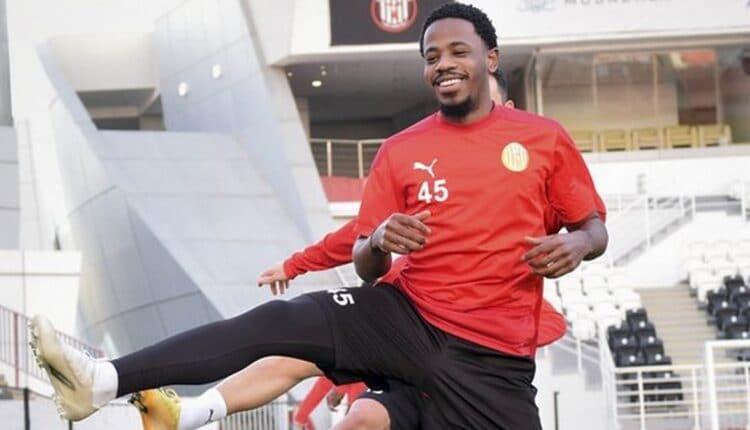 أحمد ربيع لاعب نادي الجزيرة