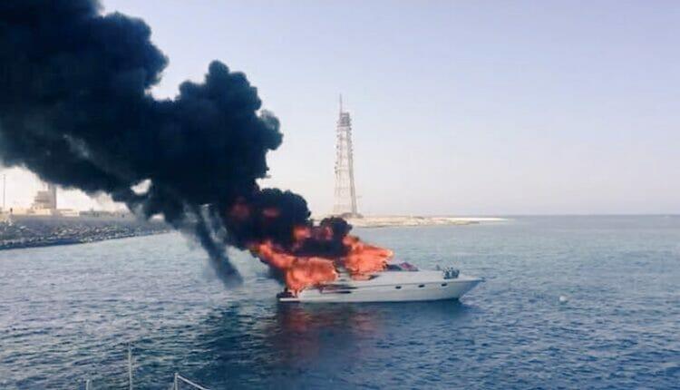إنقاذ صيادين عُمانيون سياحاً أجانب