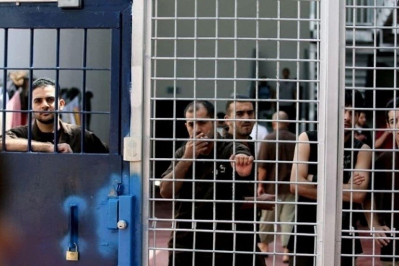 اضراب الاسرى عن الطعام في سجون الاحتلال