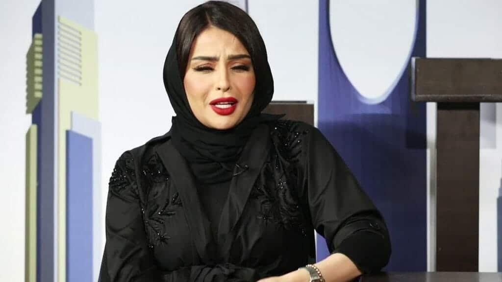 """شاهد  تحدّت من هاجموها .. ظهور """"وقح"""" للفتاة السعودية التي صوّرت فيديو """"الإيحاءات الجنسية""""!"""
