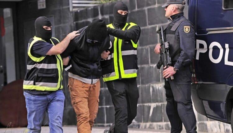 الشرطة الاسبانية تعتقل مغربيا