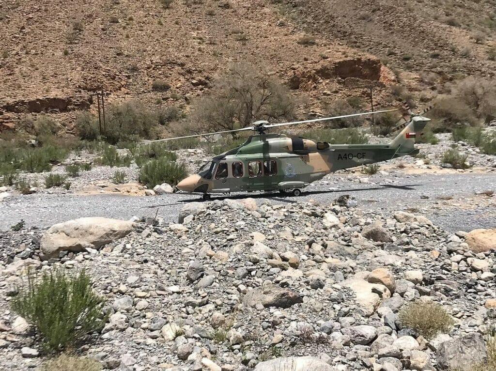 شاهد  أسترالي كان في رحلة جبلية بسلطنة عمان واختفى فجأة .. الشرطة والطيران العُماني يستنفرون بحثاً عنه